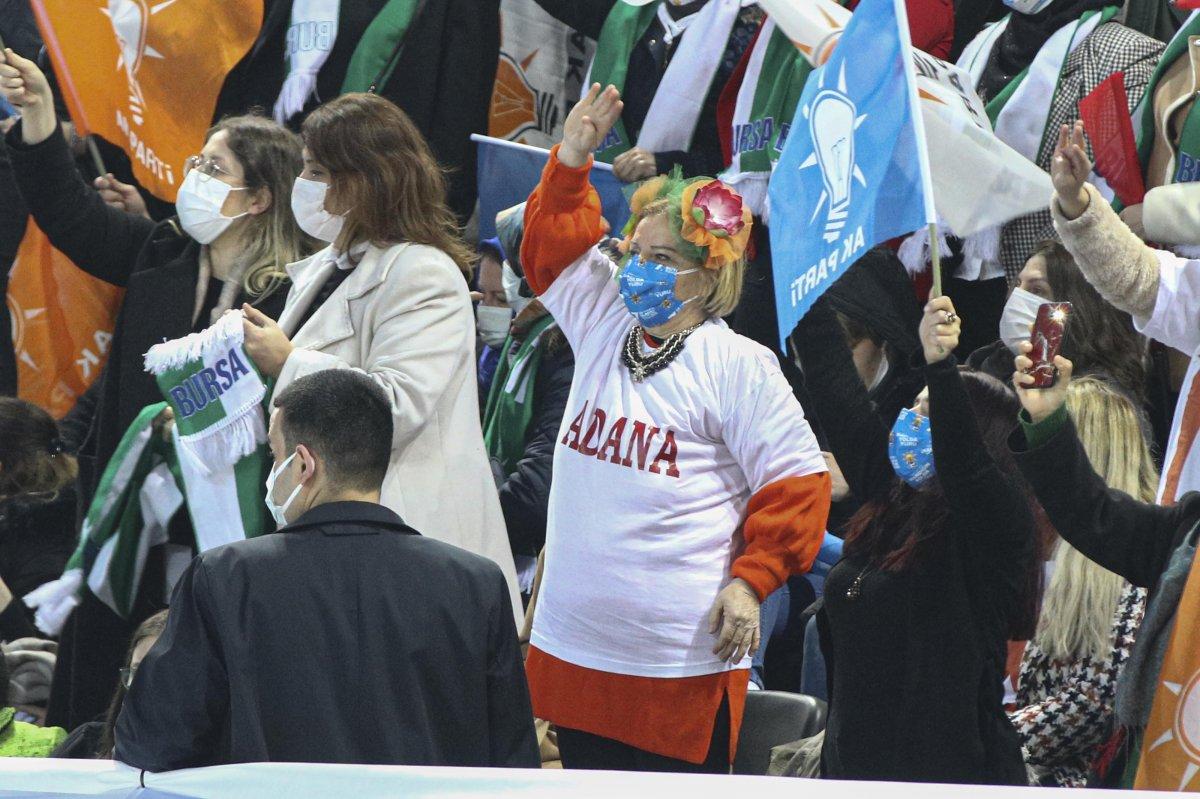 AK Parti'nin 7'nci Olağan Büyük Kongresi için partililer salona alındı #5