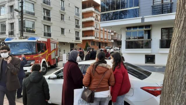 Ankara'da üç katlı apartmandaki doğal gaz patlaması hasara neden oldu