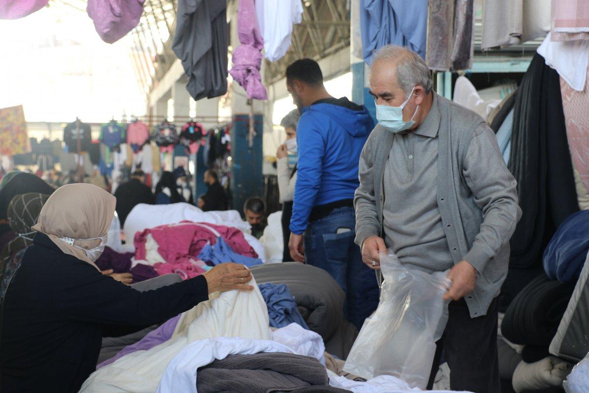 Antalyalılar pazarlara akın etti #2