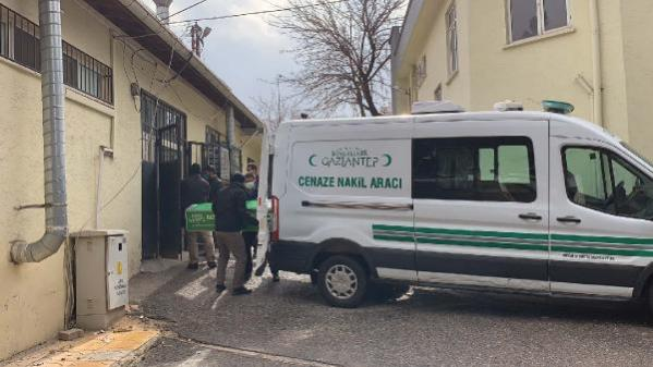 Baba evinde tabancayla vurulan Feride'nin sır ölümünde 5 akraba gözaltında