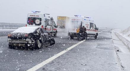 Sancaktepe Belediye Başkanı Şeyma Döğücü Kocaelide kaza yaptı