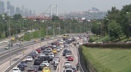 İstanbulda kısıtlamasız ilk cumartesinde trafik yoğunluğu