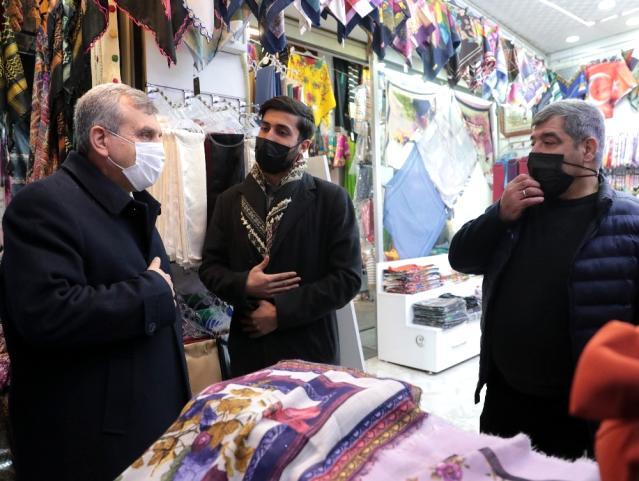 Beyazgül tarihi hanlar bölgesinde esnafı ziyaret etti