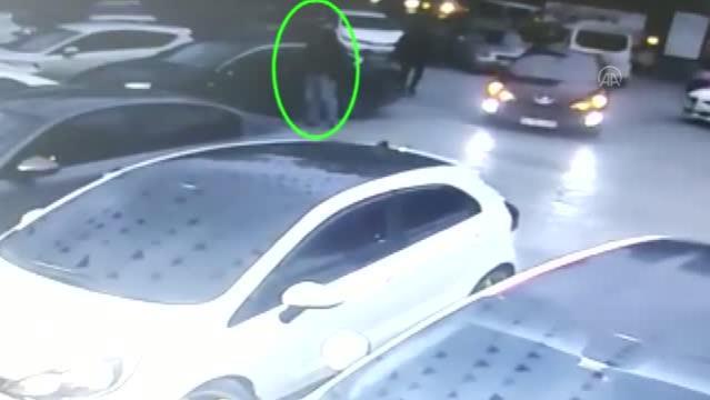 Beylikdüzü'nde araçtan hırsızlık yapan şüpheli yakalandı