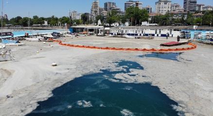 Caddebostan Sahilinde müsilaj temizliği havadan görüntülendi