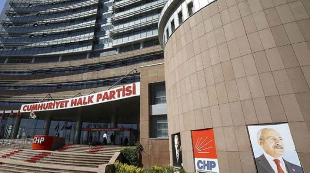 CHP'den Kabe saygısızlığına sert tepki: Alçak provokasyonu şiddetle kınıyoruz