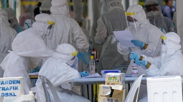 Çinli sağlık görevlilerinden koronavirüs itirafı: Konuşmamamız istendi