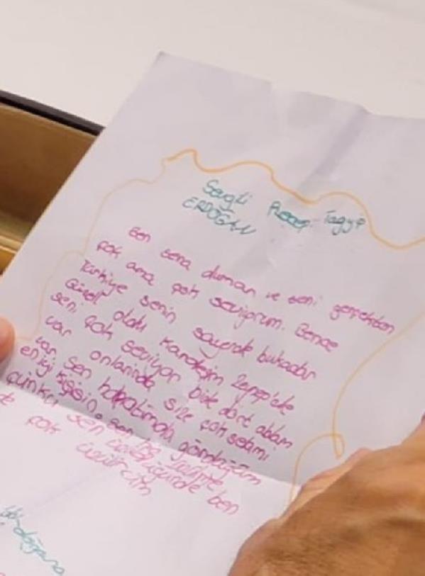 Cumhurbaşkanı Erdoğan, minik Sena'nın sevgi dolu mektubunu toplantıda okudu