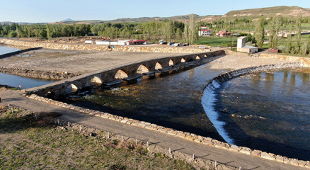 2 bin yıllık köprü motifleriyle dikkat çekiyor