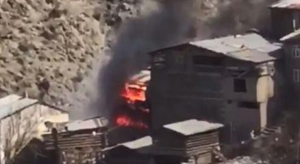 Artvinde 60 evin küle döndüğü yangının ilk görüntüleri ortaya çıktı