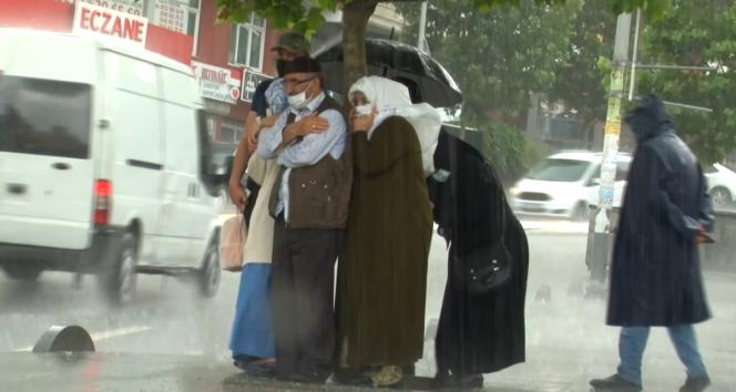 İstanbulda şiddetli yağmur