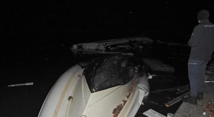 İzmirde hortum faciası: Evlerin çatıları uçtu, arabalar ters döndü, tekneler alabora oldu