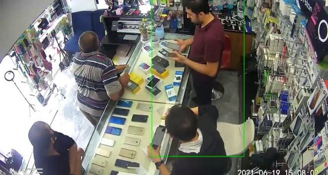 İstanbulda deprem anı kamerada