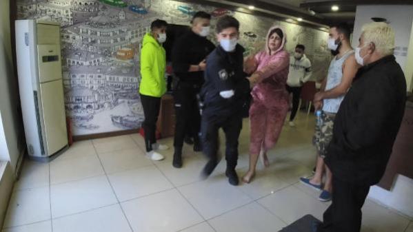 Kaldığı otel odasında erkek arkadaşıyla tartışan turist kadın ortalığı birbirine kattı