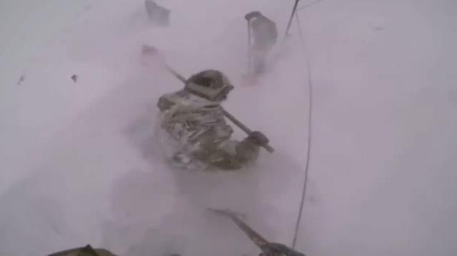 Mehmetçiğin 3 bin metrede eksi 30'da karla mücadelesi