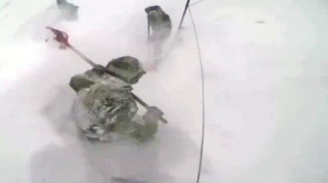 Mehmetçiğin 3 bin metre yükseklikte eksi 30 derecedeki mücadelesi kamerada