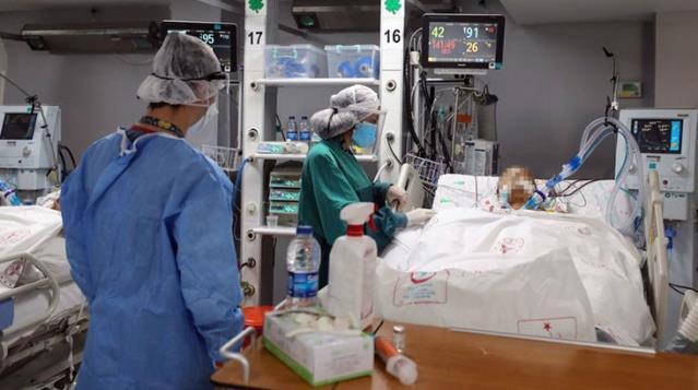 Mutasyonlu koronavirüs hastası İstanbul Tıp Fakültesi'nde tedavi görüyor