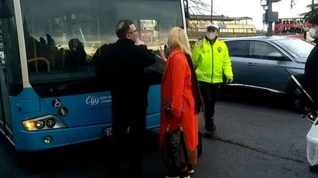 Otobüsün durağa girmediğini iddia eden kadın, aracın önünü kesip ortalığı karıştırdı
