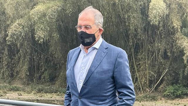 Rusya Dışişleri Bakanı Lavrov'un maskesinde yazan ifadeler sosyal medyayı salladı