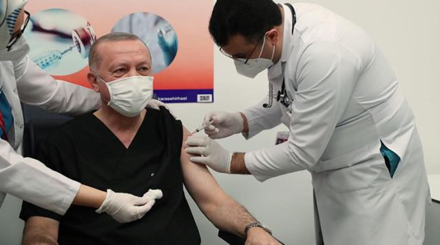 Son Dakika! Erdoğan'dan Korona aşısının yan etkileri oldu mu? sorusuna yanıt: Şu ana kadar olmadı, sapasağlamım
