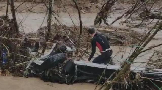 Son Dakika: İzmir'deki sel felaketinde ölü sayısı 2'ye yükseldi