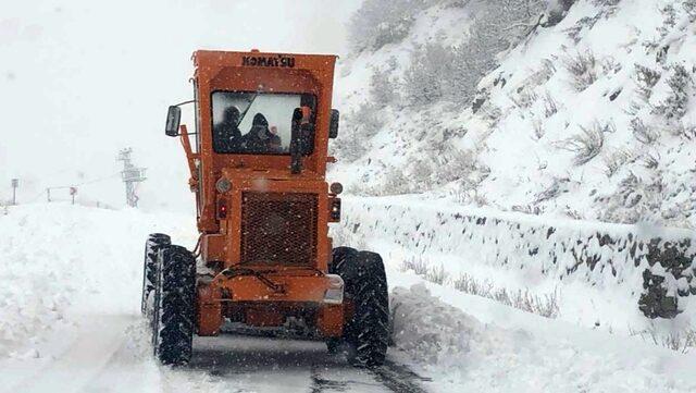 tuncelide-kar-yagisi-nedeniyle-25-koy-yolu-ulasima-kapandi_3792_dhaphoto3