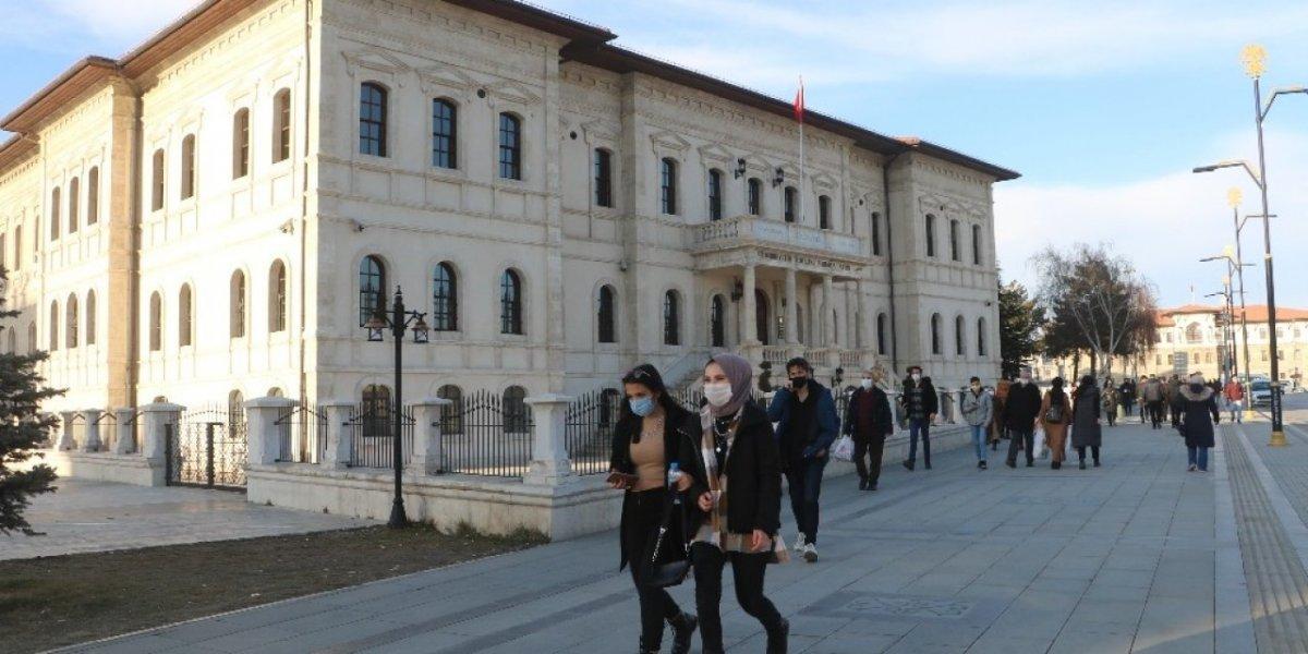 Türkiye de ocak ayında 72 merkezde ekstrem sıcaklık rekoru kırıldı #1