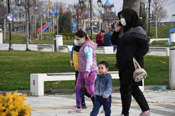 Uzman isimden korkutan uyarı: Pandeminin üçüncü dalgasına doğru gidiyoruz